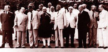 Os fundadores do Plano Colombo dos EUA para a Ásia de 1950. Foto: Sunday Times Sri Lanka.
