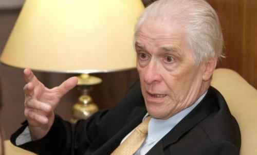 O cientista político e historiador Luiz Alberto de Vianna Moniz Bandeira. Crédito: diariodepernambuco.com.br.