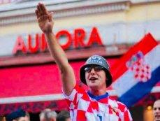 Torcedor croata durante a Copa do Mundo dde 2018, na Rússia. Crédito: Twitter.