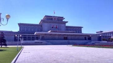 Palácio do Sol Kumsusan - aqui é o mausoléu dos Líderes. Crédito: Lucas Rubio.