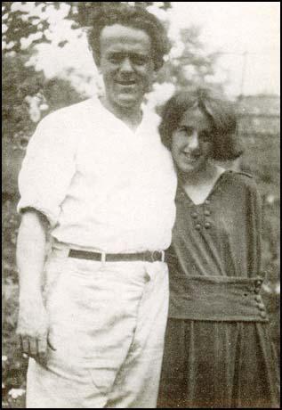O casal John Reed e Louise Bryant em novembro de 1916. Crédito: Spartacus Educational.