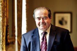 O ex-juíz da Suprema Corte dos Estados Unidos Antonin Scalia morreu em 2016. Crédito: NPR.