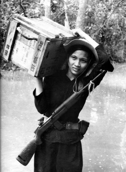 Soldada vietcong. Crédito: .vintag.es