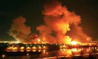 Baghdad após bombardeio dos EUA em 2003. Crédito: nbcnews.com