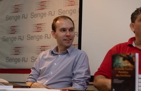 O chefe de protocolo do Consulado Geral da Rússia Artem Fomin. Crédito: Mariana S. Brites/Revista Intertelas.