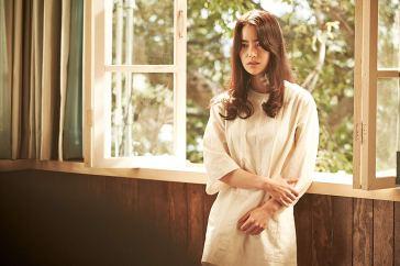 Lim Ji Yeon é a apática Ga Heun. Casada com o capitão Kyung Woo Jin (On Joo Wan), ele tem um caso secreto com o comandante de seu esposo. Crédito: IMDb.